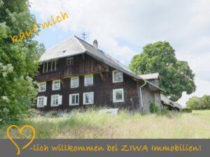 Denkmal Schwarzwaldhaus auf 3.000m² Land